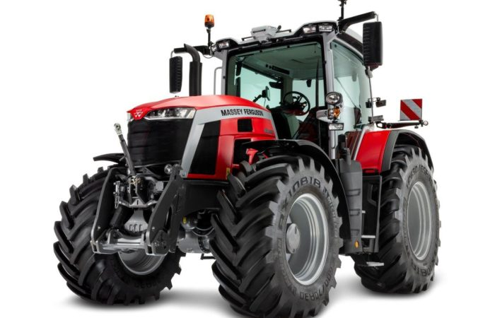 Die neue 8S-Baureihe umfasst vier neue Modelle von 205 bis 265 PS.