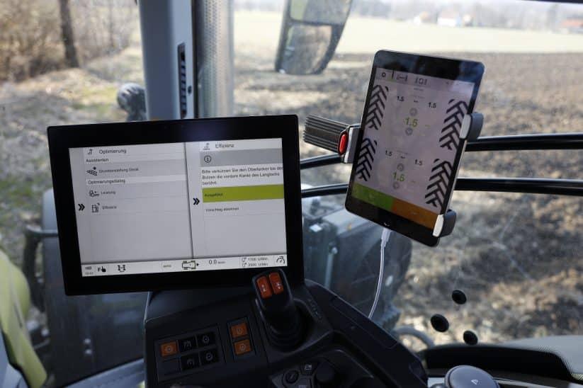 Claas Cemos macht Vorschläge zur Optimierung der Traktor- und Geräteeinstellungen.