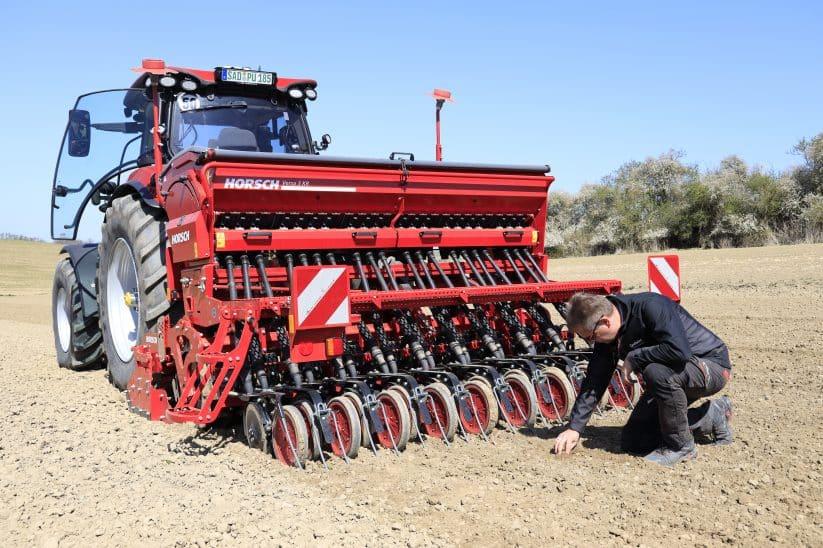Die Horsch Versa ist die erste mechanische Drillmaschine des bayerischen Bodenbearbeitungsspezialisten.